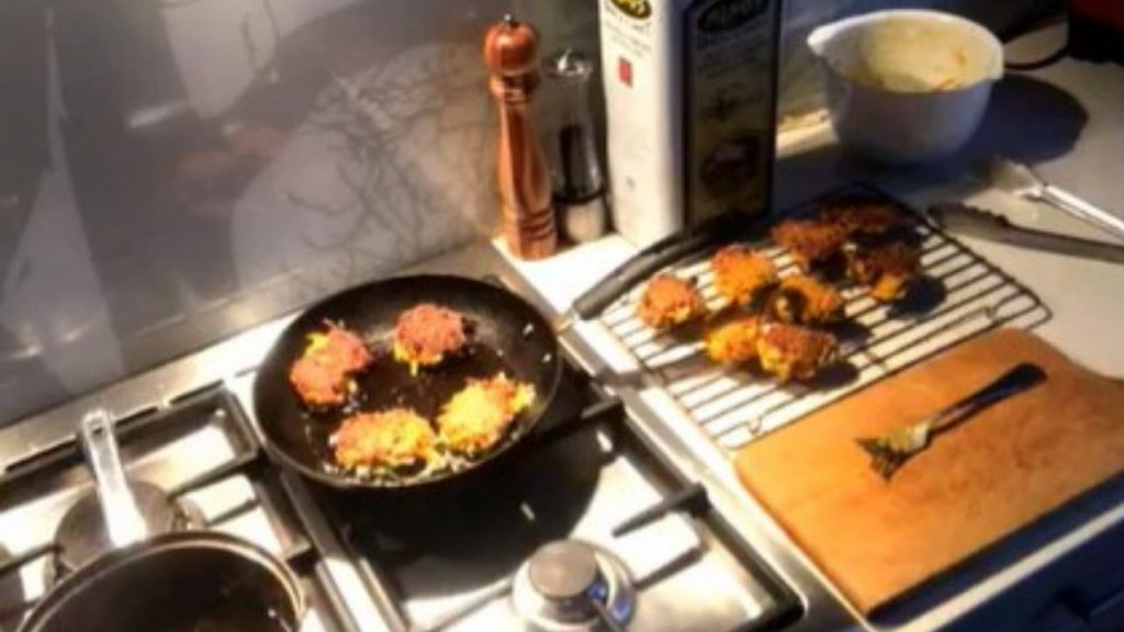 How to make veggie fritters